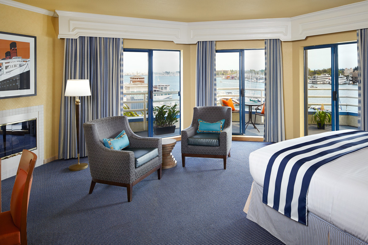 Waterfront bay view suite