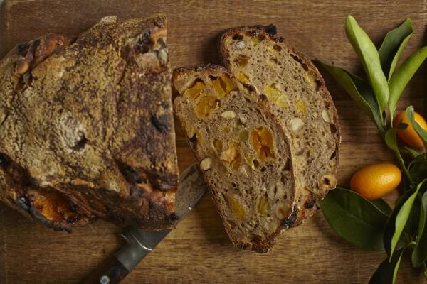 ManresaBread Fruit & Nut_Slice_Credit Joyce Oudkerk Pool (1)