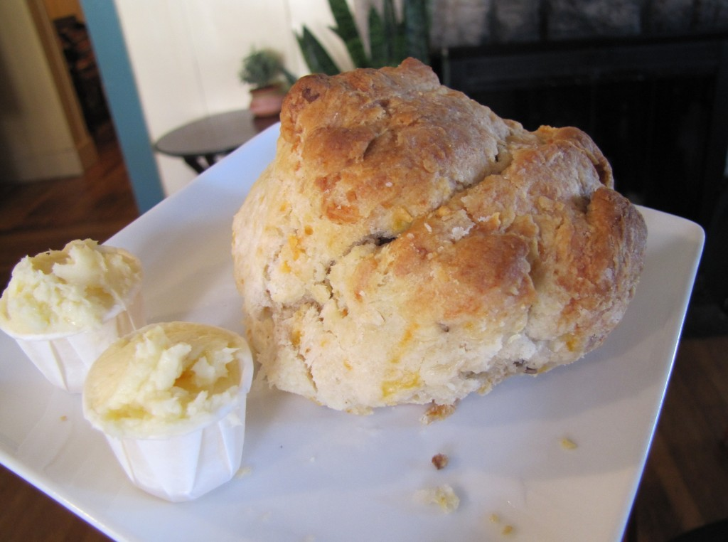 bacon-cheddar-biscuit-at-crema_16420771247_o