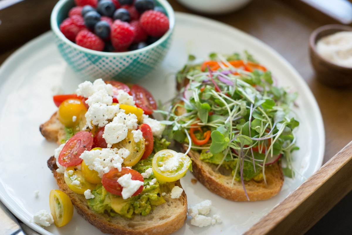 avocado-toast-fresh-from-the-farmers-market