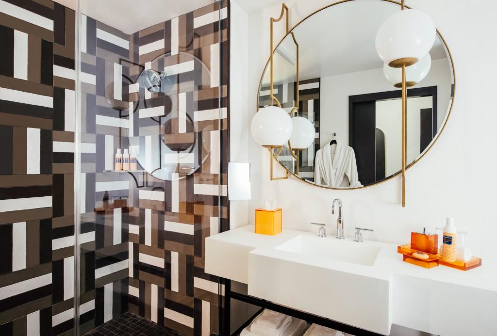 Troubadour_Guestroom_Bath_PR_RB