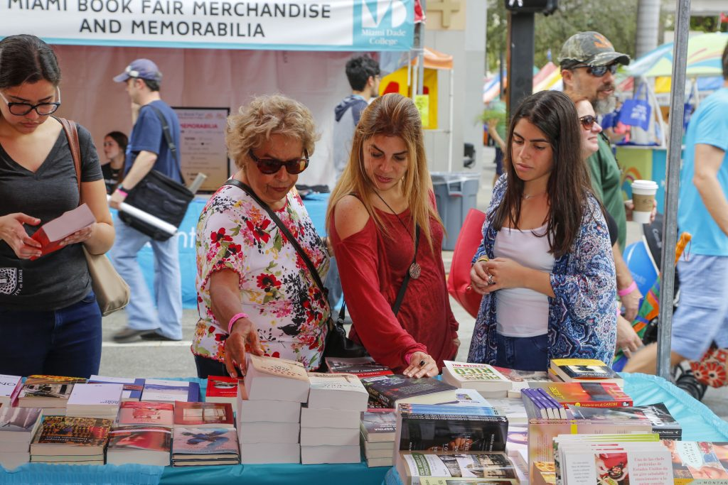 Miami Book Fair 2015, street shoots, , November 22, 2015