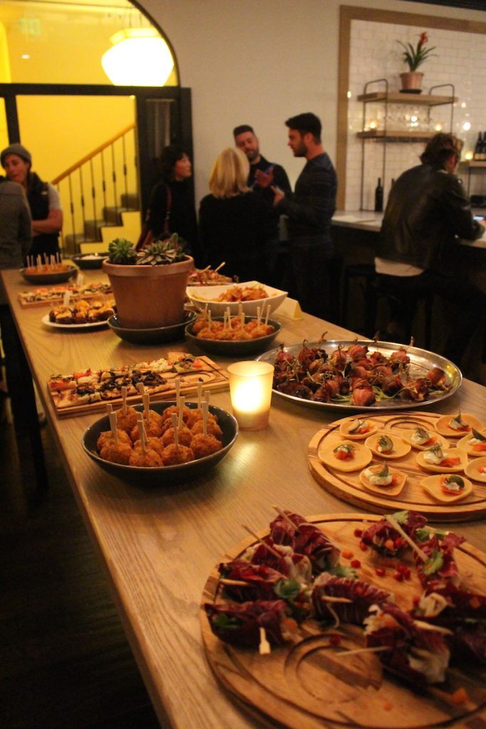 Communal dining San Francisco Phlox Commons