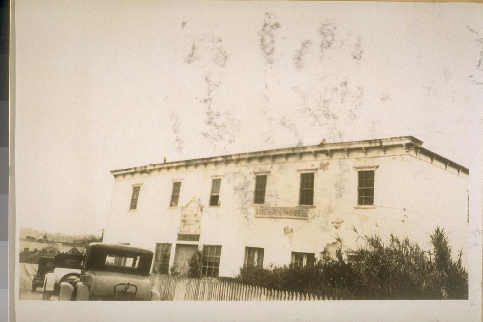 15-a-robert-louis-stevenson-house-monterey
