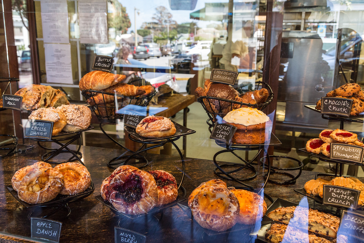 05-c-pacific-grove-pavel-bakery-california