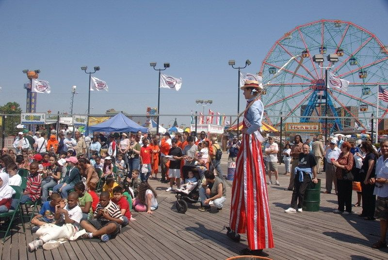 a-new-york-ride-coney-island-from-subway-to-sea