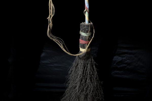 harry-potter-broomstick-belonging-to-olga-hunt