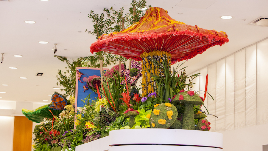 out-of-this-world-fashion-and-flowers
