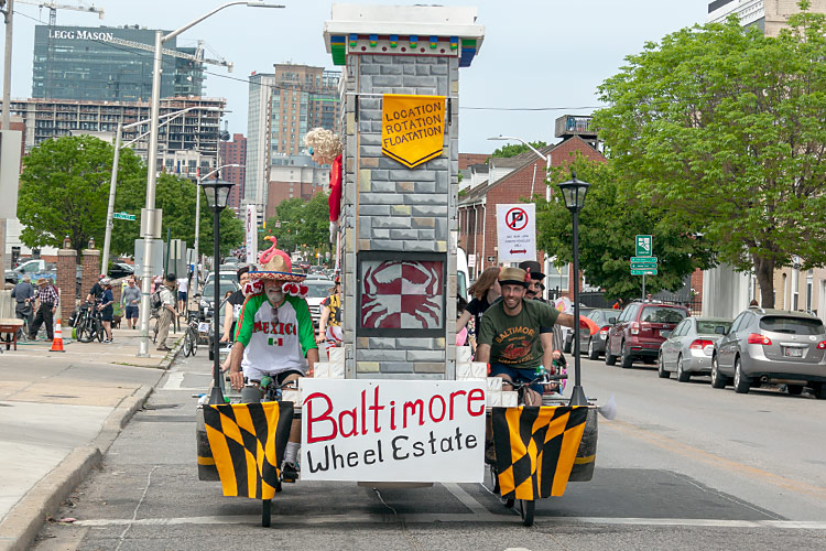 baltimores-blesses-de-feet-in-this-marathon